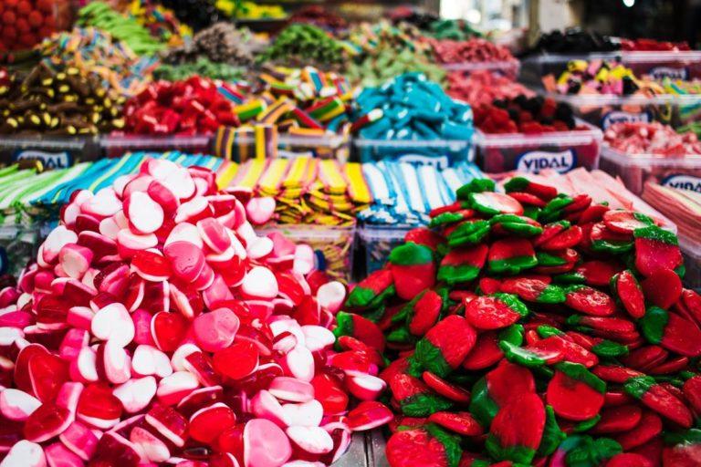 Jak wygodnie realizować zakupy w sklepach spożywczych?
