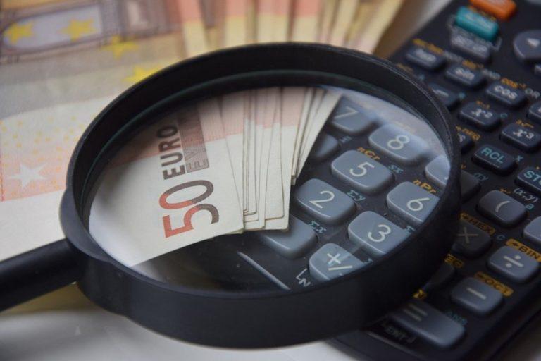 Jak uzgodnić z bankiem odroczenie spłat należności