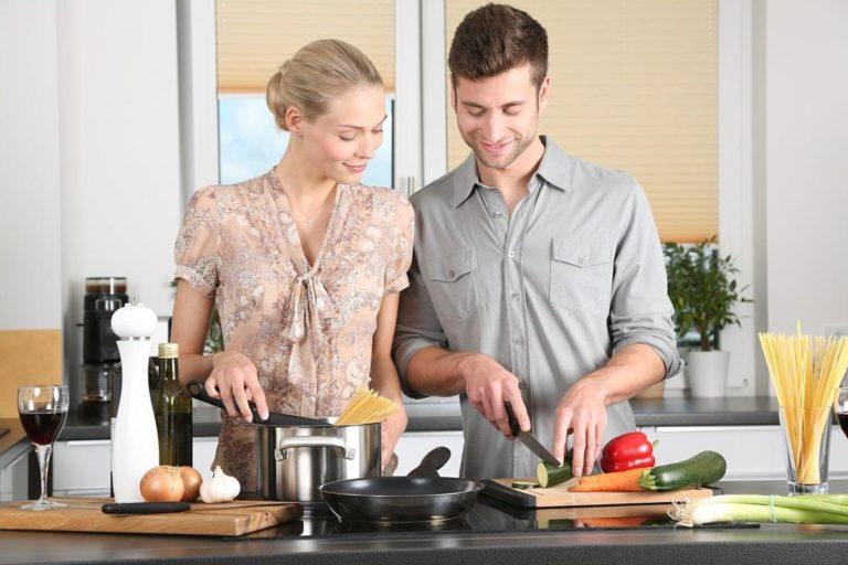 Jak wybrać właściwe noże do naszej kuchni?