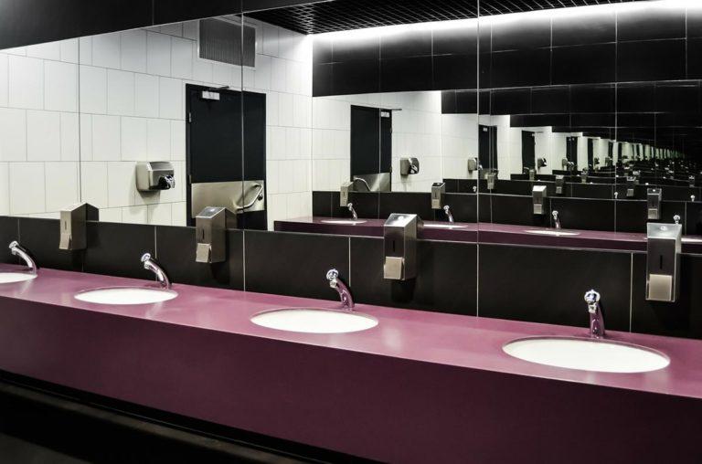 Toalety publiczne powinny być dostępne w każdym mieście