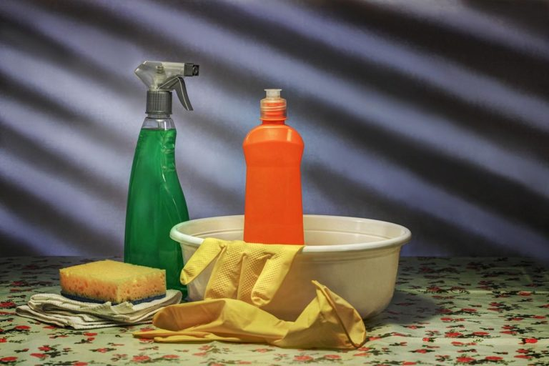 Co ma znaczenie przy wybieraniu firm zajmujących się usługami sprzątającymi?